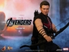 the-avengers-hawkeye-limited-edition-collectible-figurine-hot-toys-10