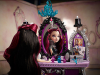 ever-after-high-raven-queen-dorm-room-accessory-pack04