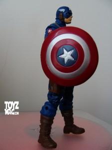 Marvel UNIVERSE : figurines marvel au 1/18è - Page 5 DSC07578-225x300