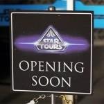 Darth Vader teste STAR TOURS à Disneyland