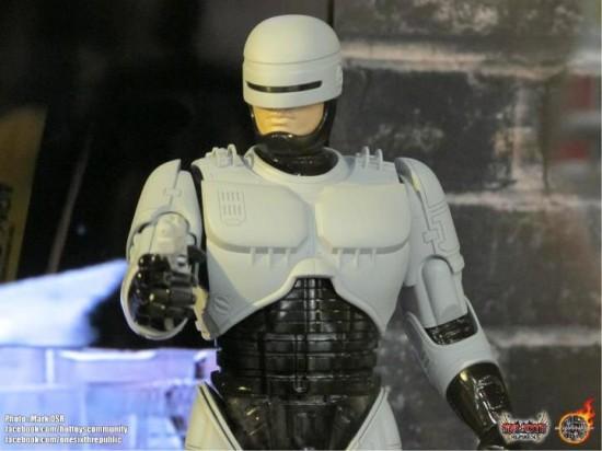 Robocop  ED209 prototype Hot Toys