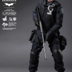 Hot Toys : The Dark Knight Jim Gordon (SWAT suit version)