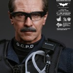 hot toys lt jim gordon SWAT7