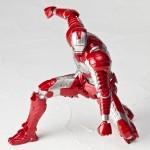 Iron Man Revoltech Mark V les photos officielles