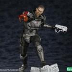 Mass Effect 3 Commander Shepard ARTFX Statue par Kotobukiya