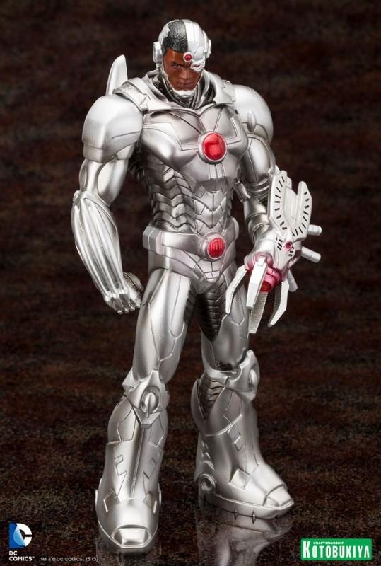 DC Comics Justice League Cyborg New 52 ARTFX+ Statue (5)