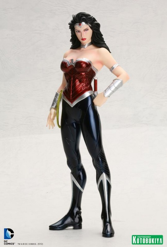 DC Comics Wonder Woman New 52 ARTFX+ Statue Kotobukiya