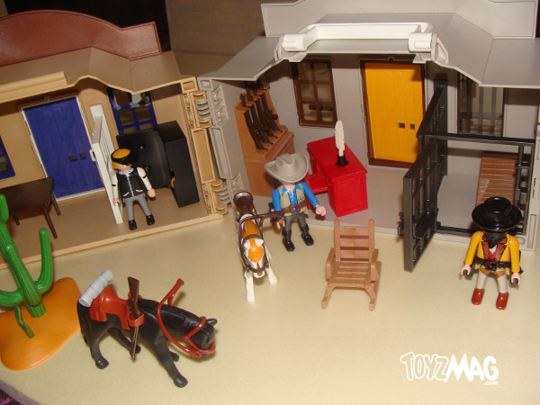 4398 coffret de cow boy transportable de playmobil. Black Bedroom Furniture Sets. Home Design Ideas