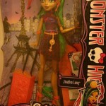 Monster High Jinafire Long pointe le bout de son nez