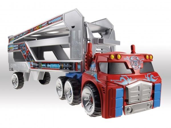 Transformers-Rescue-Bots-Optimus-Rescue-Trailer.jpg-600x451