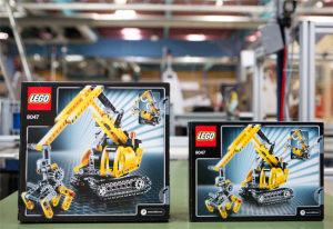 nouveau packaging Lego (àdroite sur la photo)