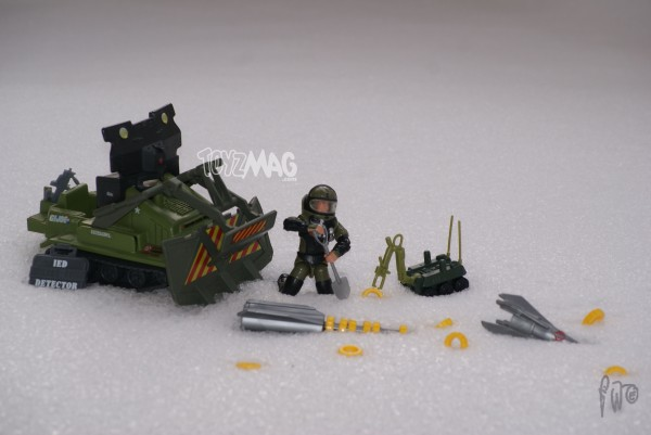 Giordanoev pour Toyzmag : 1985 bomb disposal , Joe con 2008 Long Arm V2 et 1988 cobra IMP Ambush Missile