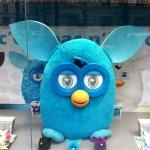 Furby envahit les vitrines des magasins de jouets