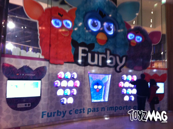 furby Toy R Us exclue