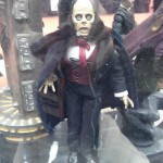 C2E : Universal Monsters Retro Cloth Phantom of the Opera
