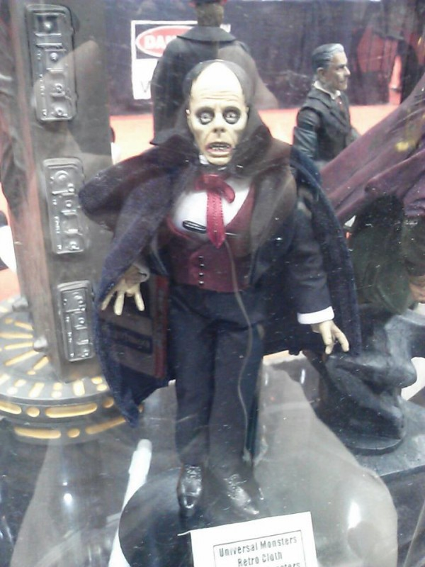 dst retro phantom of the opera universal monsters c2e2