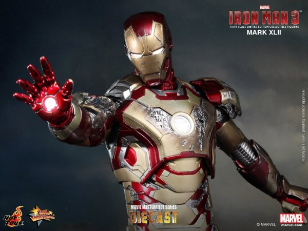 iron man hot toys mk xlii 10