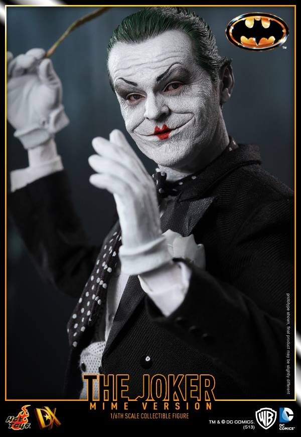 hot toys batman joker mime version 12