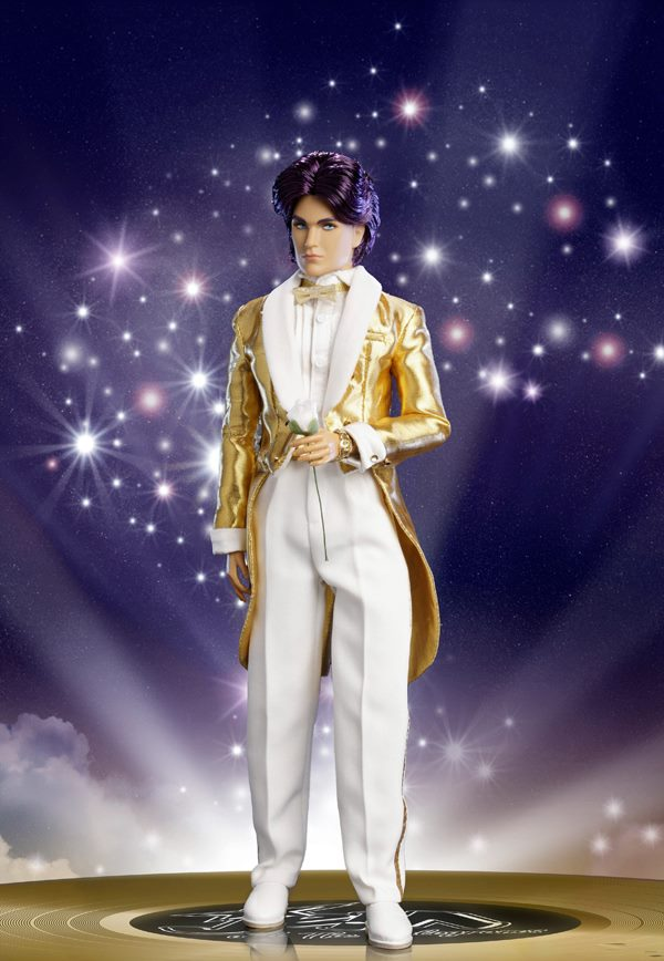 2013 ITDIRECT EXCLUSIVE GLITTER 'N GOLD RIO PACHECO DOLL (3)