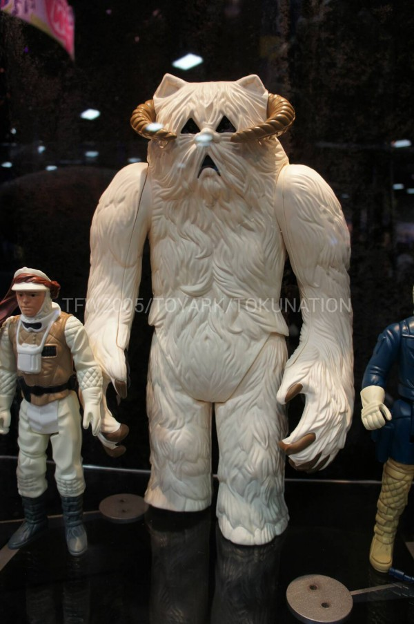 SDCC-2013-Gentle-Giant-051