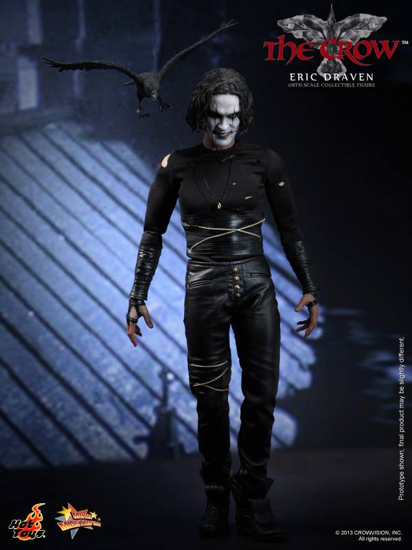 The Crow 16th scale Eric Draven Collectible Figure (01)