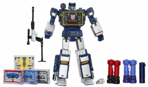 Transformers-Masterpiece-Soundwave-2-toys-r-us-sdcc-2013-600x355