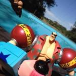 peyo dessens he-man et franku se détendent piscine