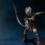 sh monster arts bandai predator wolf avp 3