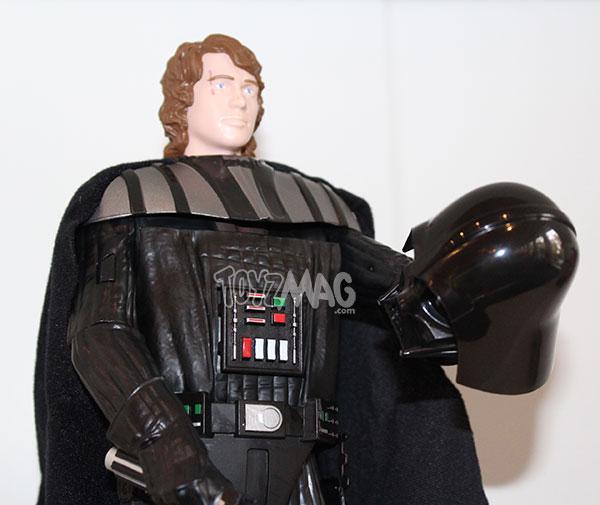 figurine star wars ultimate anakin skywalker se transformant en dark vador