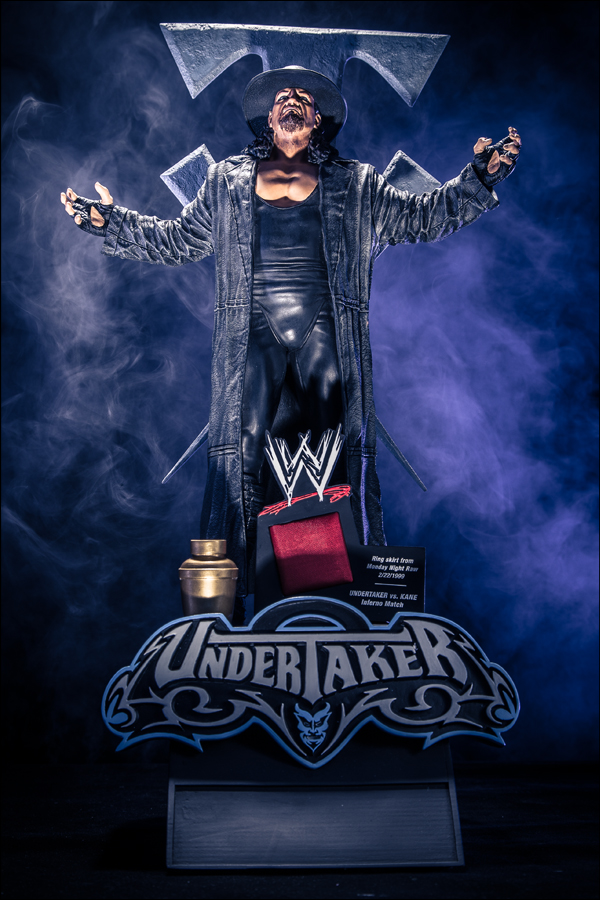 WWE-Icon-Series-Undertaker-Statue-001