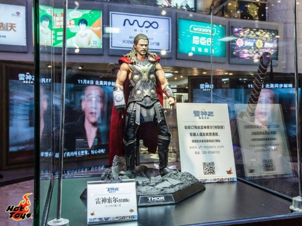 thor the dark world expo hot toys chine 7