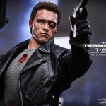 Hot Toys : Terminator T800 Battle Damaged