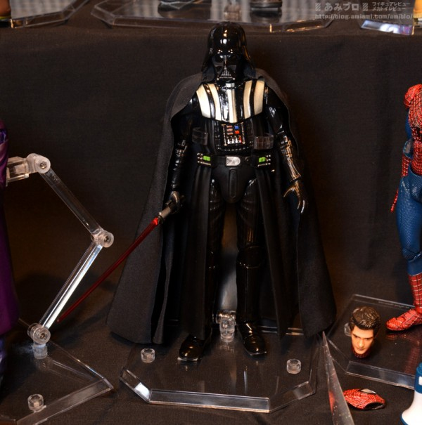 MAFEX-Star-Wars-Darth-Vader-2