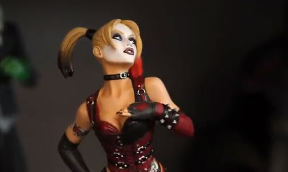 dc collectibles SDCC2014  Batman: Arkham City – Harley Quinn Statue