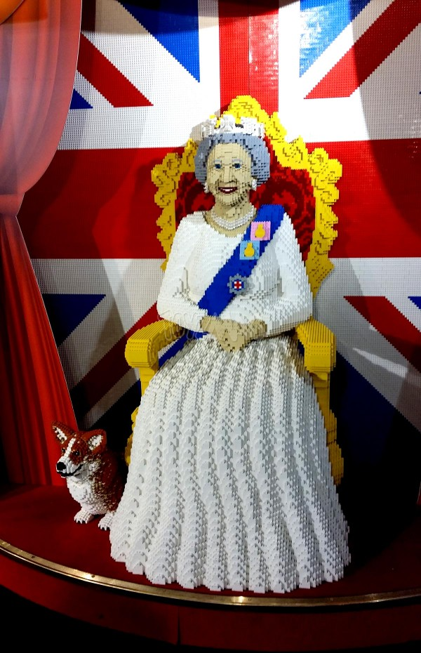 hamleys lego The Queen