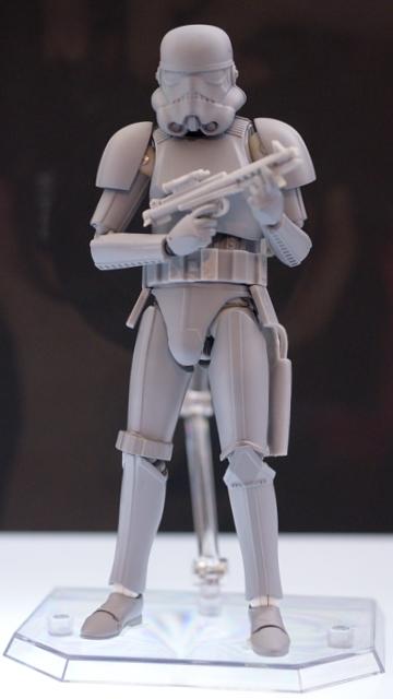 Medicom-Star-Wars-Stormtrooper
