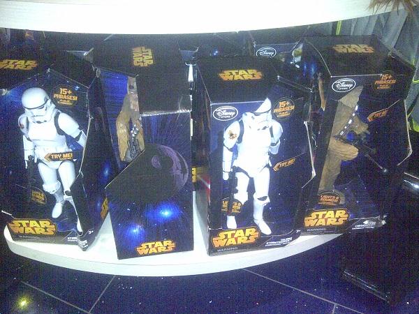 dispo disney store paris star wars marvel (1)