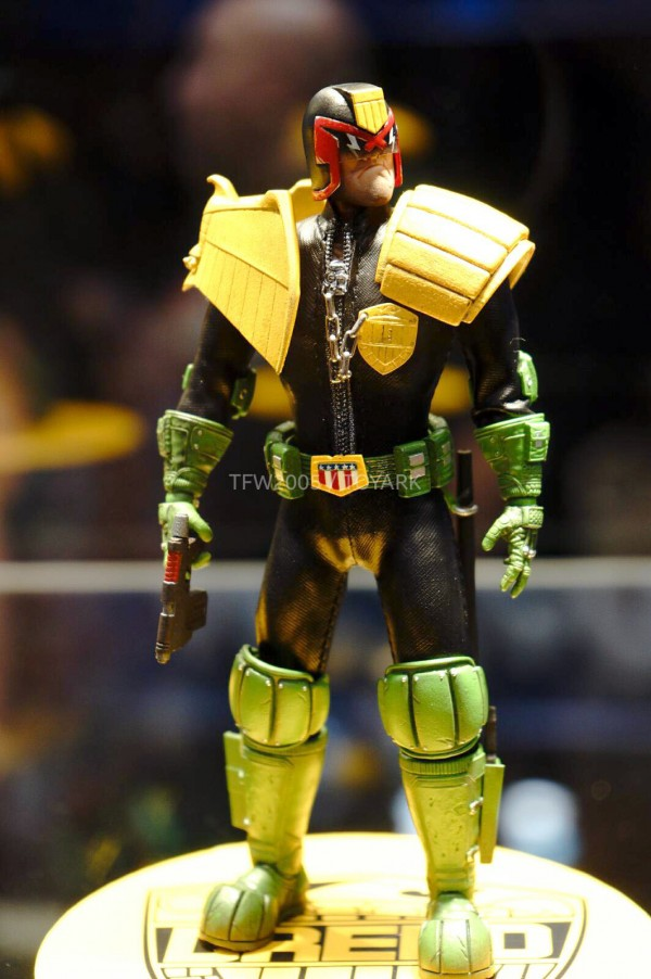 NYCC-2014-Mezco-1_12-Collective-Judge-Dredd-006