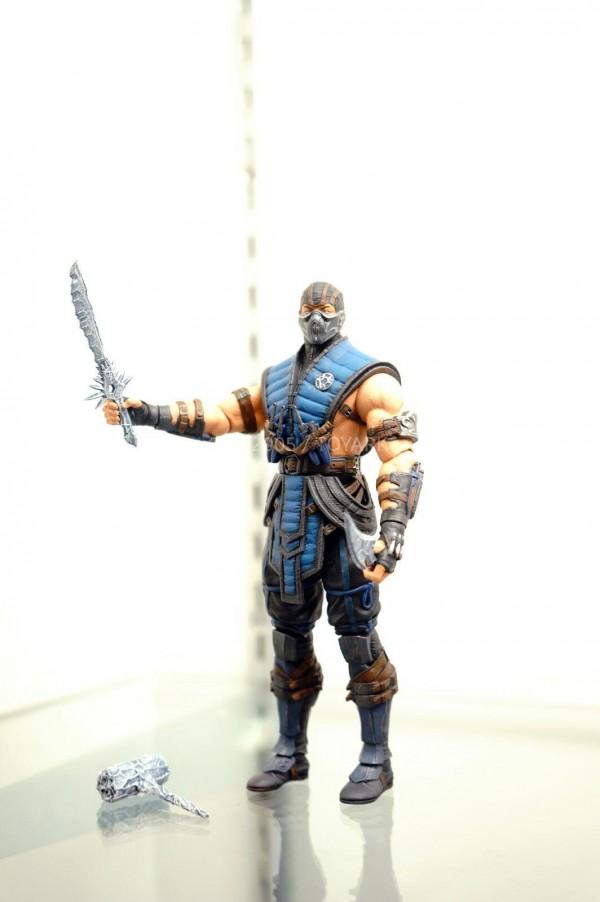 Figurine sub zero