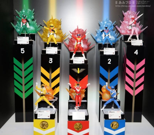 SH-Figuarts-Super-Sentai-Display