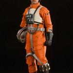 luke-skywalker-red-five-x-wing-pilot-005