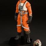 luke-skywalker-red-five-x-wing-pilot-014