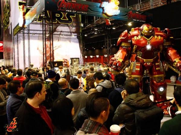 avengers hot toys hulkbuster