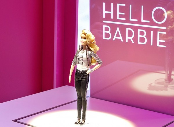 HELLO BARBIE MATTEL 2015-02