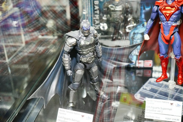 Toy-Fair-2015-Bluefin-Booth-SH-Figuarts-Injustice-002