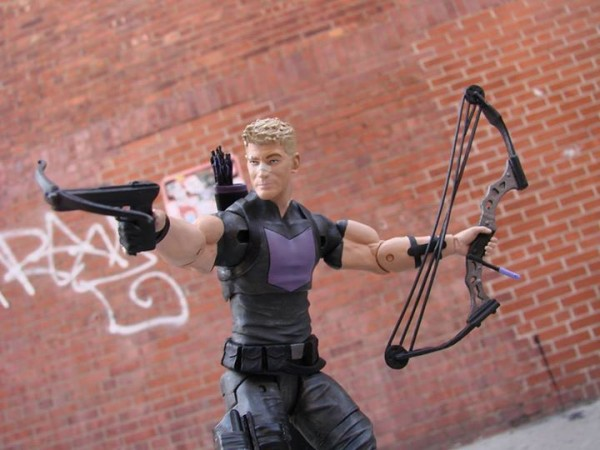 Hawkeye Marvel Select Avenging