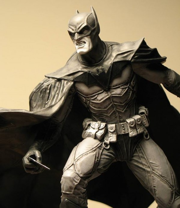 Batman Black And White Statue (Lee Bermejo) 2nd Edition