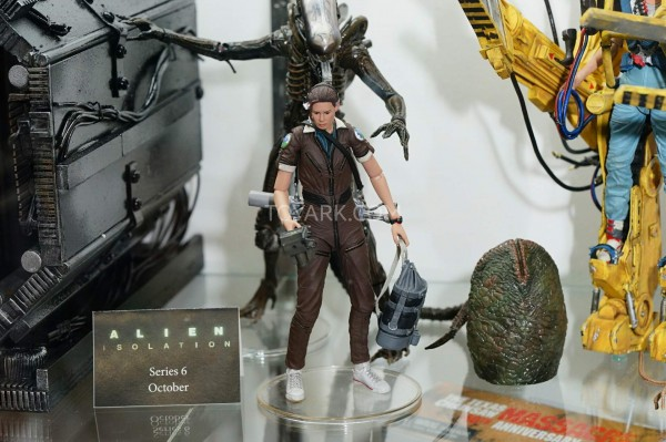 0045-SDCC2015-NECA-Alien-and-Predator-045