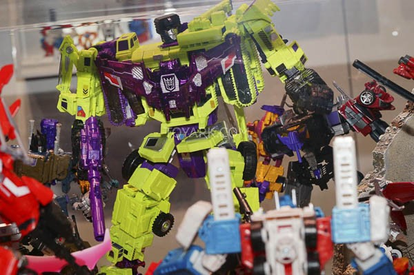 SDCC2015-Hasbro-Transformers-Combiner-Wars-065-2