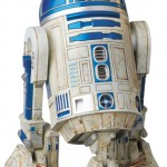 Mafex-C-3PO-and-R2-D2-010